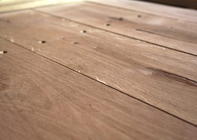 dubový pracovný stôl