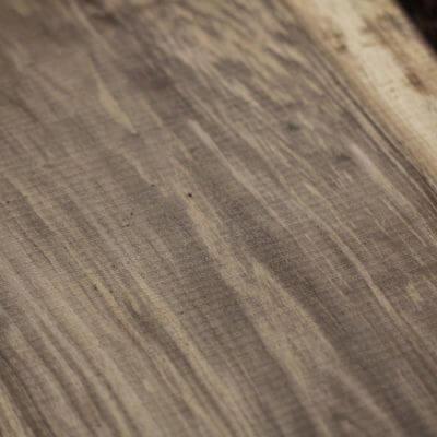 orechové drevo