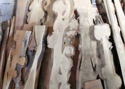 agátové drevo